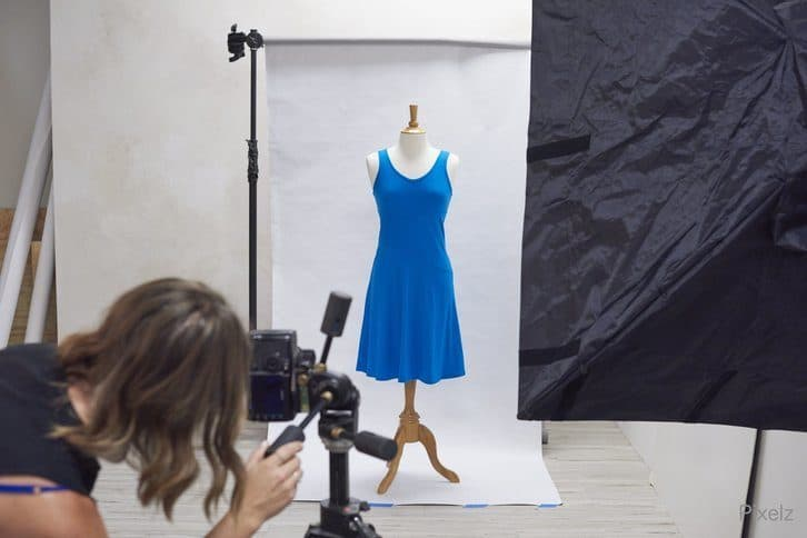 diy-apparel-product-photography-photostudio-with-photographer 65578a3dc00b2
